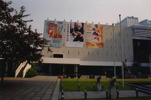 香港大会堂户外广告01
