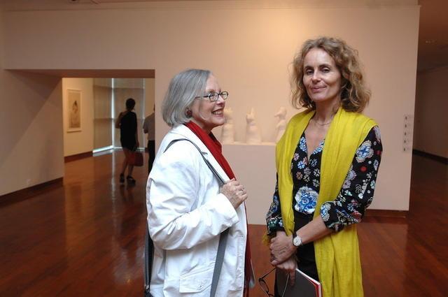 艺术家marie与瑞士美术史家埃丝特-玛利亚·琼戈
