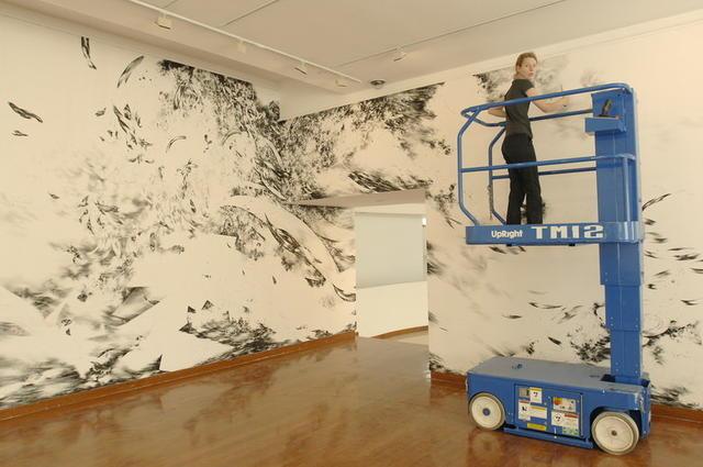 墙壁绘画《空间激流》的绘制