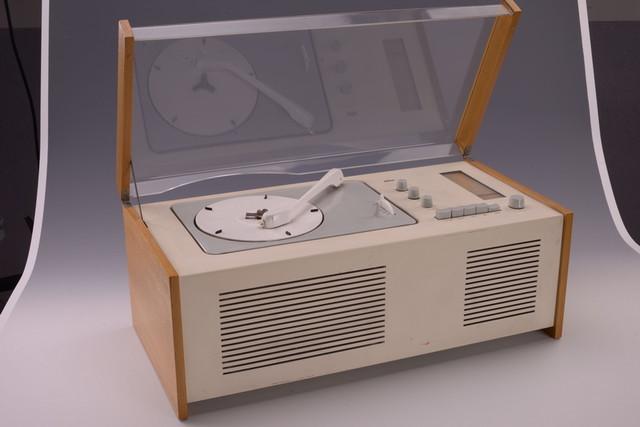 """收音机和电唱机组合""""SK 4"""""""