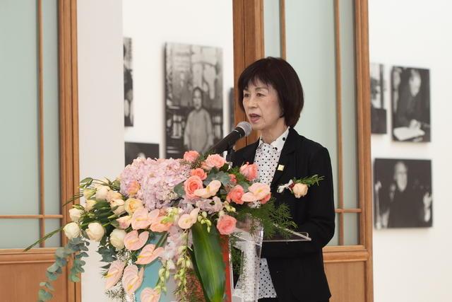 日本女子美术大学校长小仓文子致辞